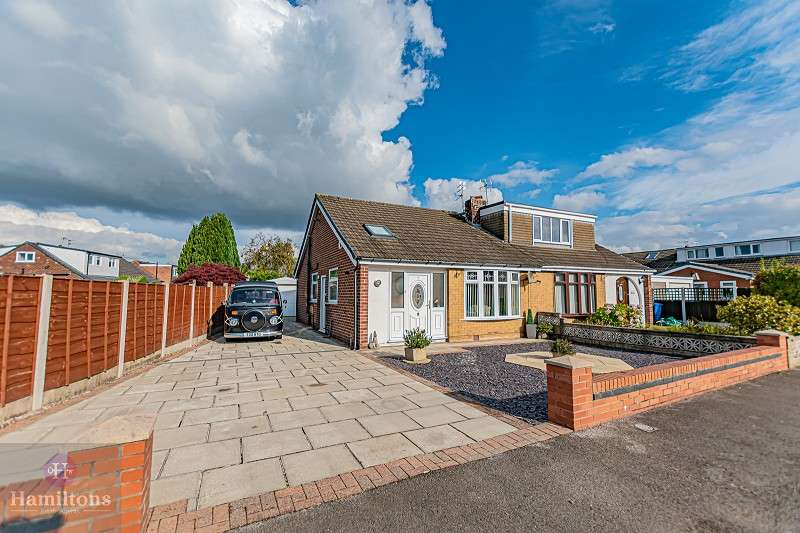 3 Bedrooms Semi Detached Bungalow for sale in Milnes Avenue, Pennington, Leigh, Greater Manchester. WN7 3JU