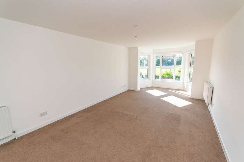 2 Bedrooms Apartment Flat for rent in Park View Road, Lytham St Annes, FY8