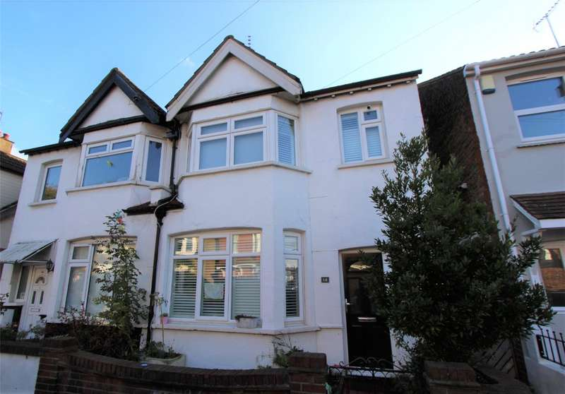 3 Bedrooms Semi Detached House for sale in Lansdowne Avenue, Leigh-on-Sea, SS9