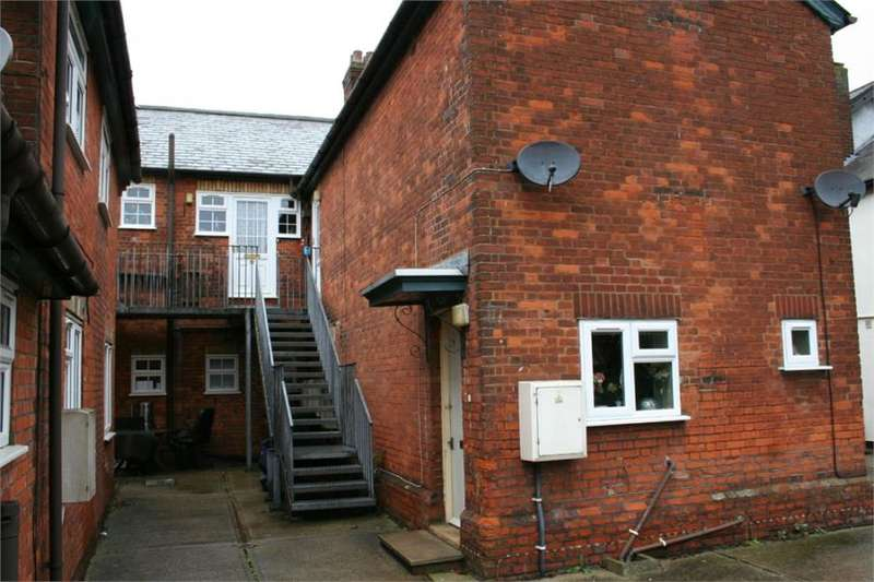 1 Bedroom Flat for rent in High Street, Kelvedon, Essex