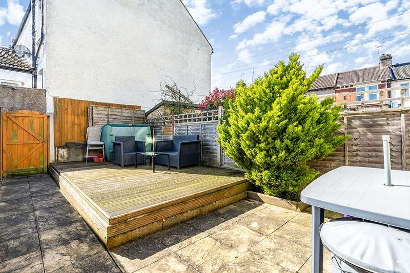 3 Bedrooms House for sale in Eva Road, Gillingham, Kent, ME7
