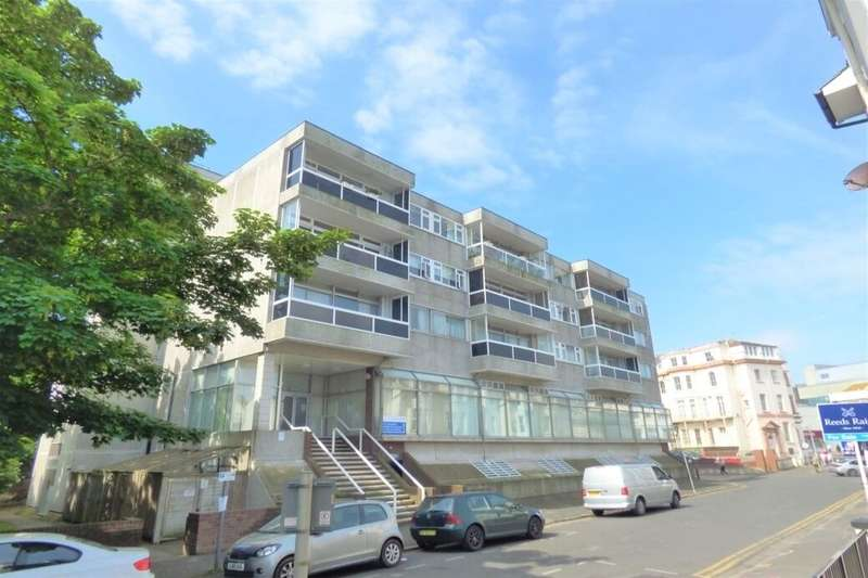 2 Bedrooms Flat for sale in West Cliff Gardens, Folkestone, CT20