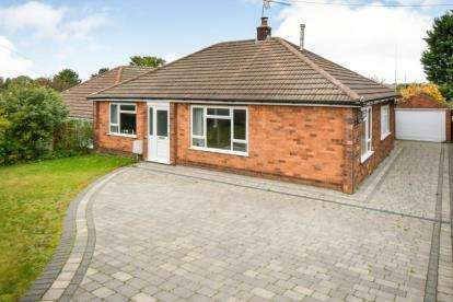 3 Bedrooms Bungalow for sale in Park Crescent, Washingborough, Lincoln, Lincolnshire