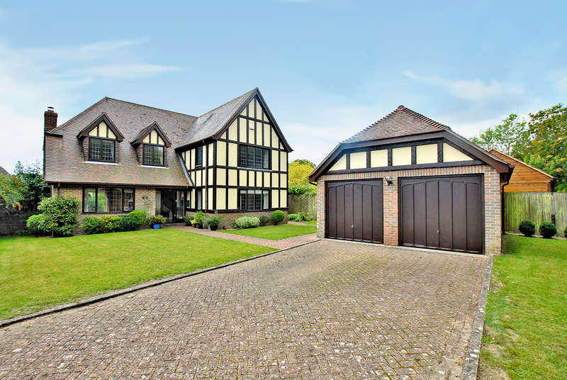 4 Bedrooms House for sale in Brady Road, Lyminge, CT18