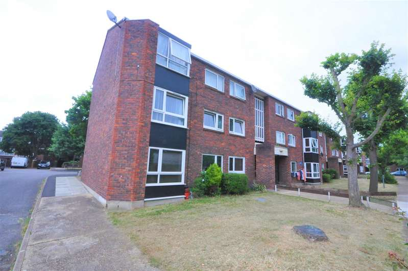 2 Bedrooms Flat for rent in Sheldrick Close, London