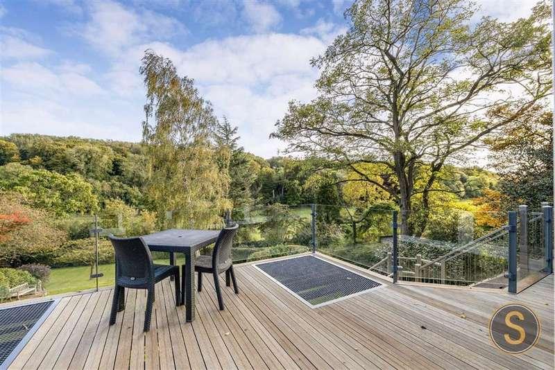 5 Bedrooms Detached House for sale in Longdean Park, Hertfordshire
