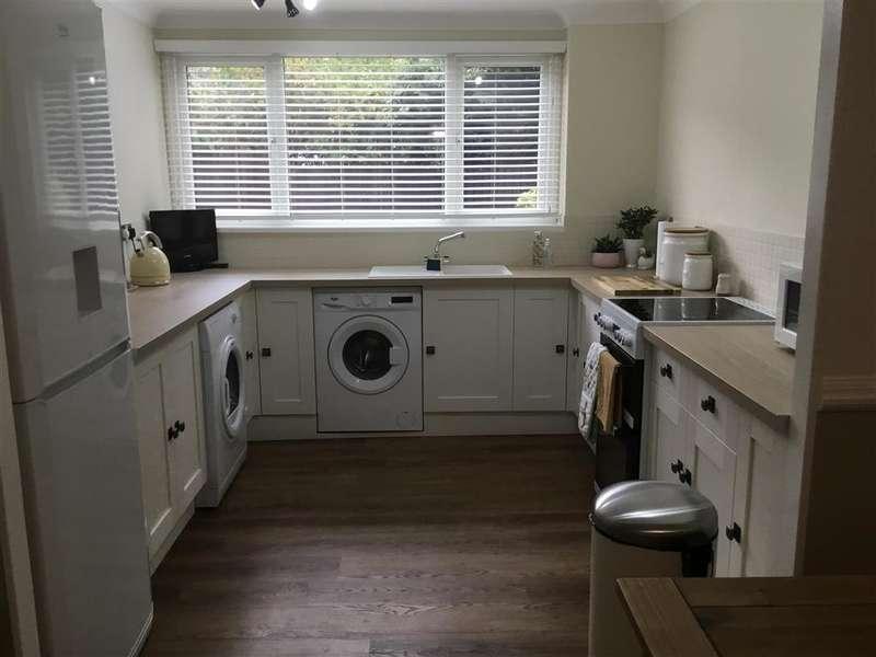 3 Bedrooms Terraced House for sale in Highwood Lane, , Loughton, Essex