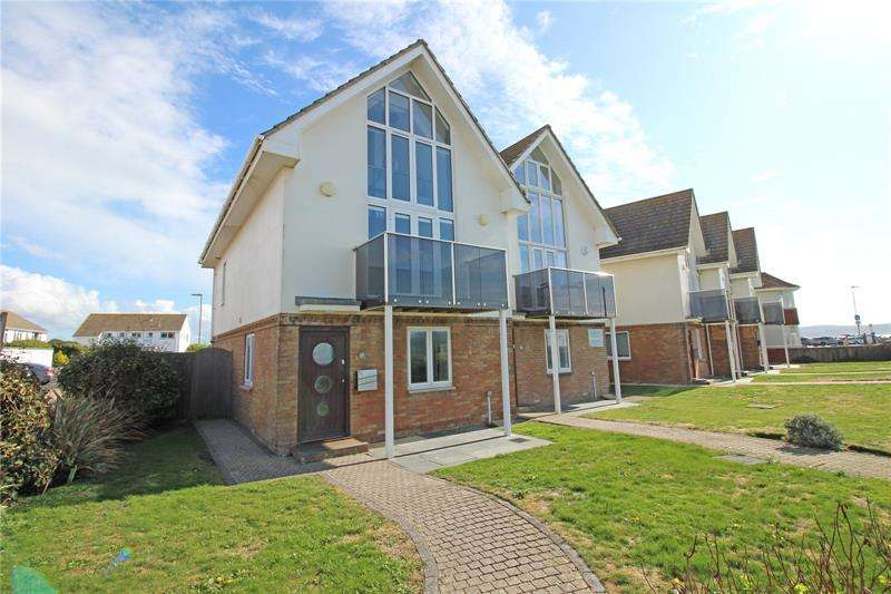 3 Bedrooms Semi Detached House for sale in Sea Road, Milford on Sea, Lymington, SO41
