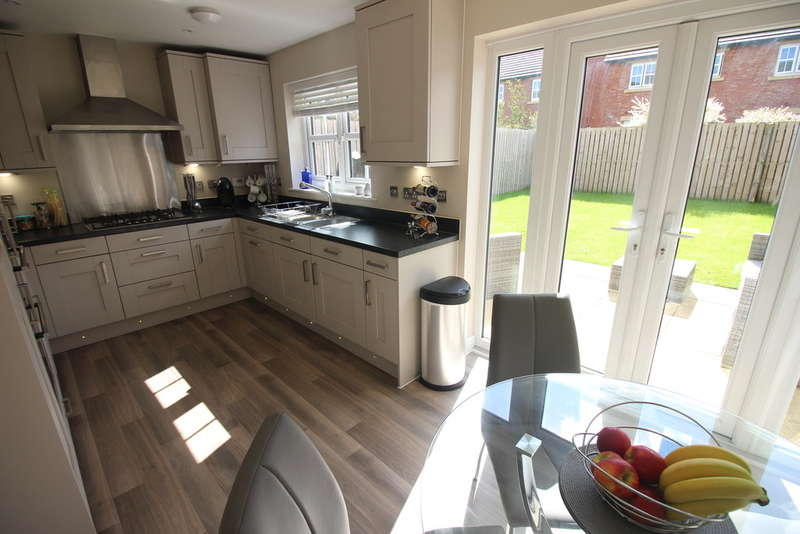 3 Bedrooms Semi Detached House for sale in Brookwood Drive, Kirkham