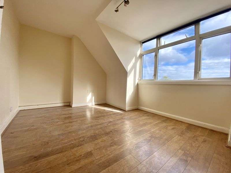 Property for rent in Stonecot Hill, Sutton