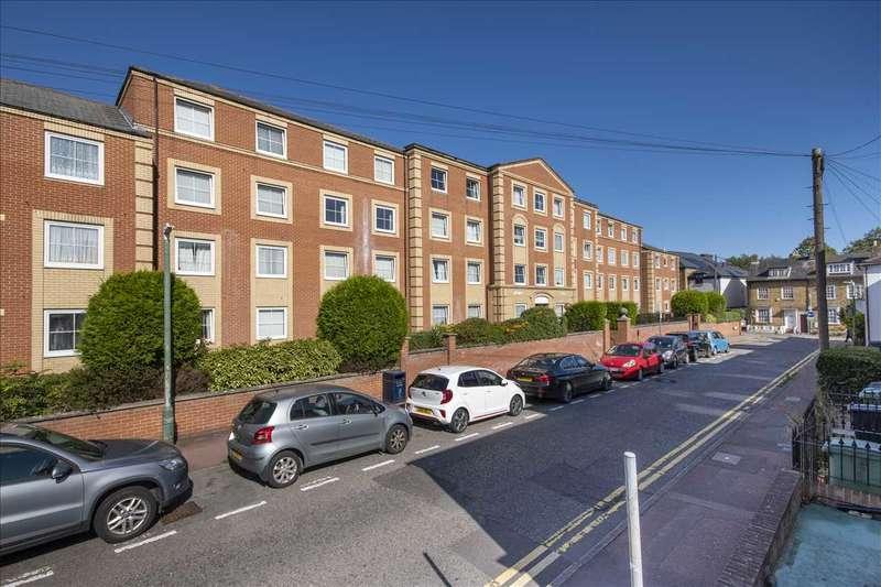 2 Bedrooms Apartment Flat for sale in Hengist Court, Marsham Street, Maidstone
