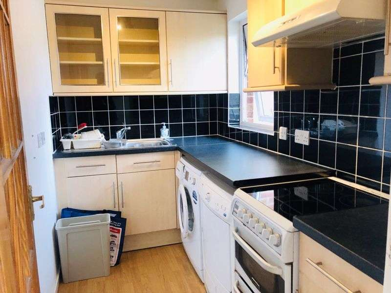 Property for rent in Hillingdale, Crawley