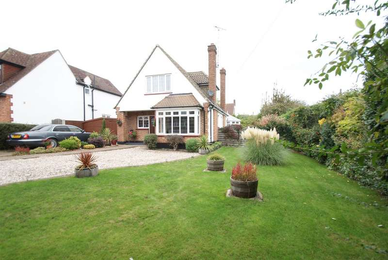 3 Bedrooms Detached House for sale in Orchard Avenue, Rayleigh