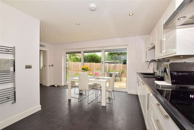 4 Bedrooms Detached House for sale in Willow Way, , Maidstone, Kent