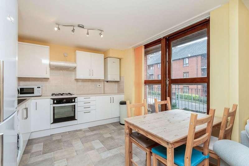 2 Bedrooms Apartment Flat for sale in Oakridge Road, Basingstoke, Hampshire, RG21