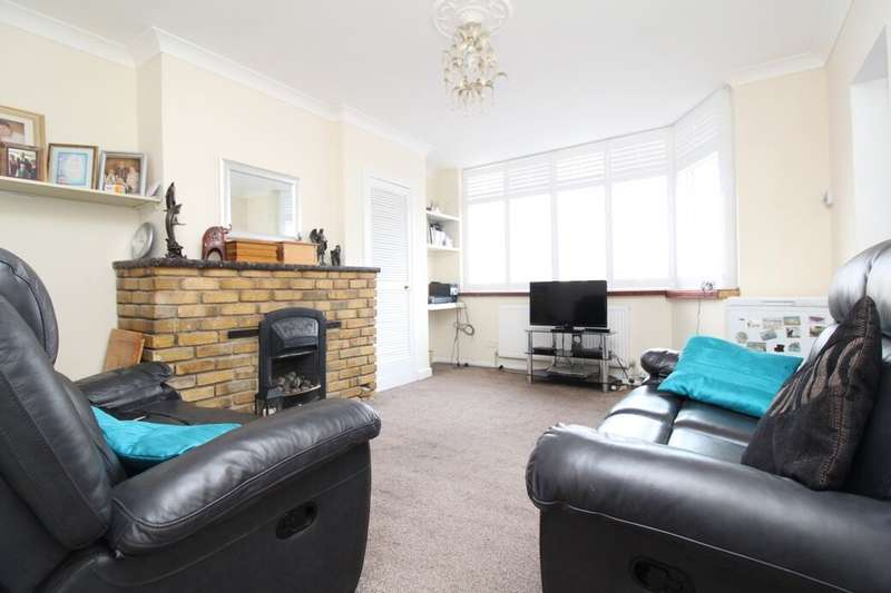 2 Bedrooms Flat for sale in Eversley Avenue, Bexleyheath, DA7