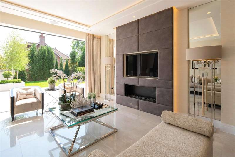 3 Bedrooms Apartment Flat for sale in Pentagon House, Camlet Way, Barnet, Hertfordshire, EN4