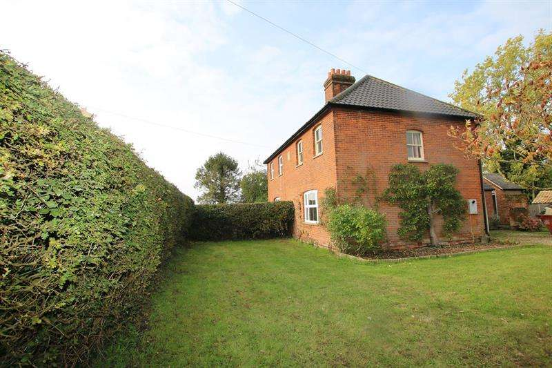 2 Bedrooms House for rent in Crown Farm Cottages, Deopham