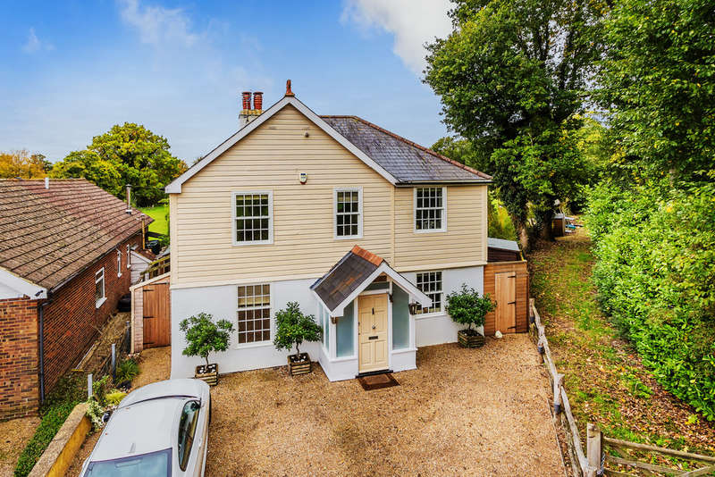 3 Bedrooms Detached House for sale in Pootings Road, Crockham Hill, TN8
