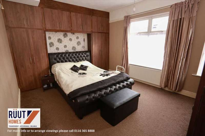 5 Bedrooms Terraced House for sale in Rowsley Street, Leicester