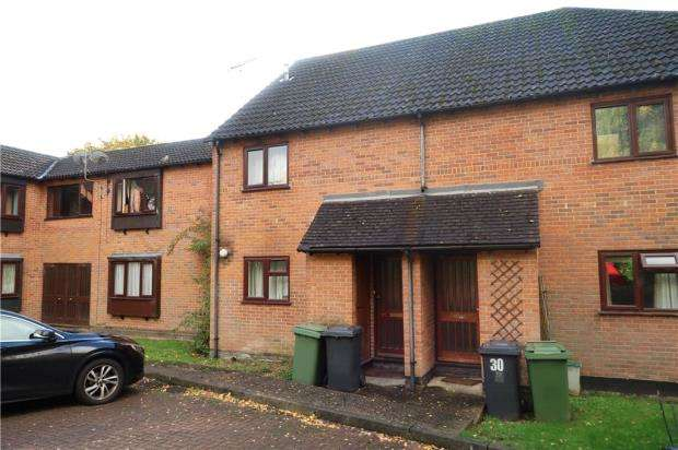 1 Bedroom Maisonette Flat for sale in Poppy Field, Lychpit, Basingstoke
