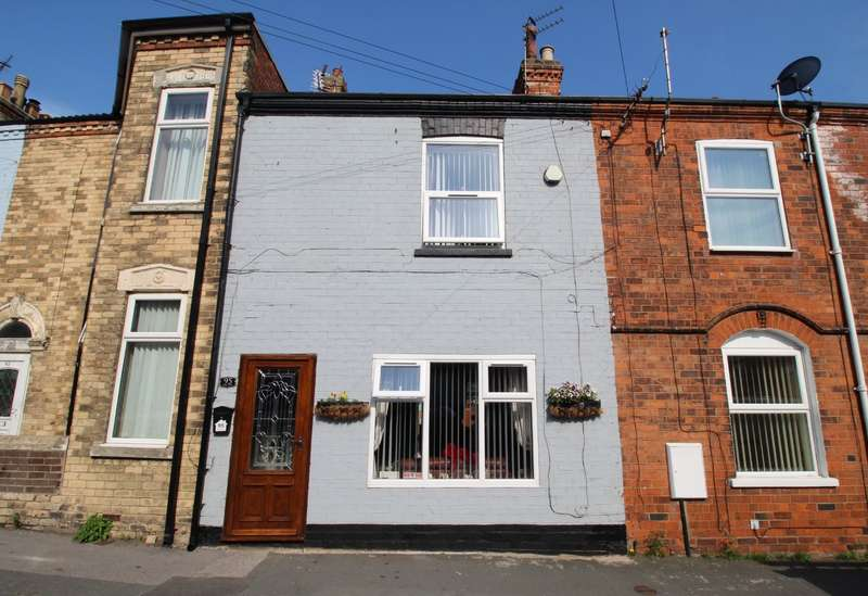 3 Bedrooms House for sale in Queen Street, Withernsea, East Yorkshire, HU19