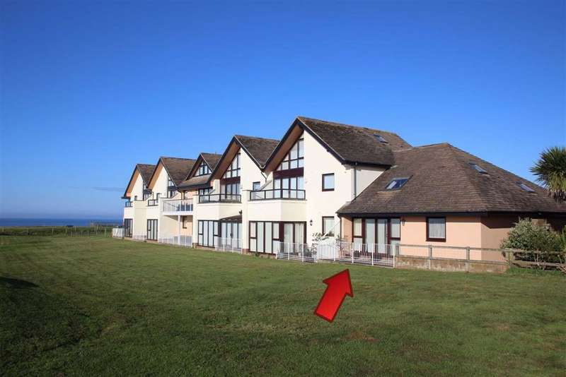 3 Bedrooms Flat for sale in Marine Drive East, Barton On Sea, Hampshire