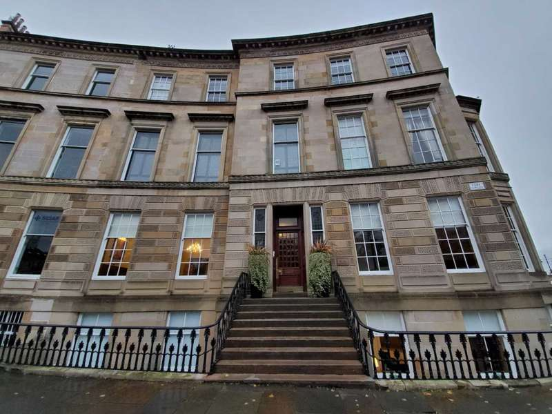 3 Bedrooms Apartment Flat for rent in Park Circus, Glasgow
