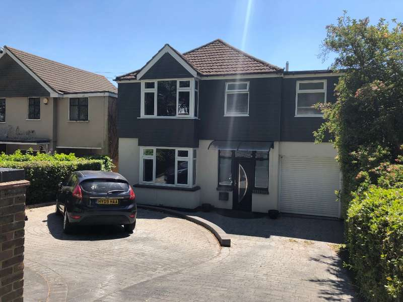 4 Bedrooms Detached House for sale in Havant Road, Farlington, Portsmouth, PO61NF