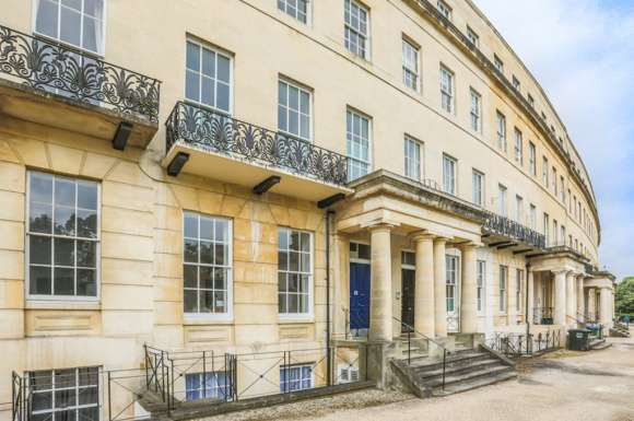 1 Bedroom Property for sale in Lansdown Crescent, Lansdown, Cheltenham, GL50