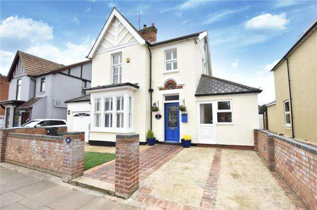 4 Bedrooms Detached House for sale in Beaconsfield Road, Clacton-on-Sea, Essex