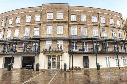 2 Bedrooms Flat for sale in Rhodes Court, Jefferson Place, Bromley