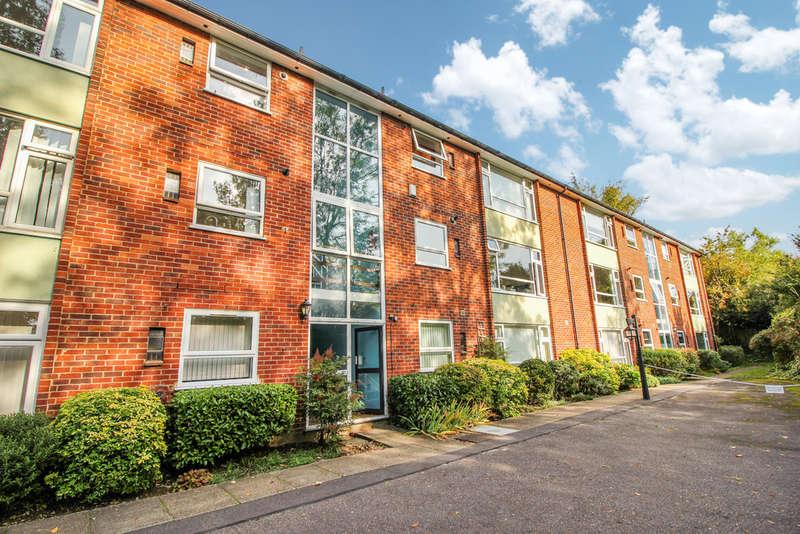 2 Bedrooms Flat for sale in Lubbock Road, Chislehurst
