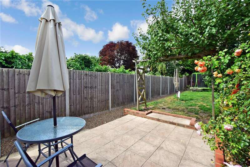 3 Bedrooms Semi Detached House for sale in Holborough Road, , Snodland, Kent