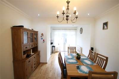 4 Bedrooms House for rent in Chelford Road, Bromley BR1