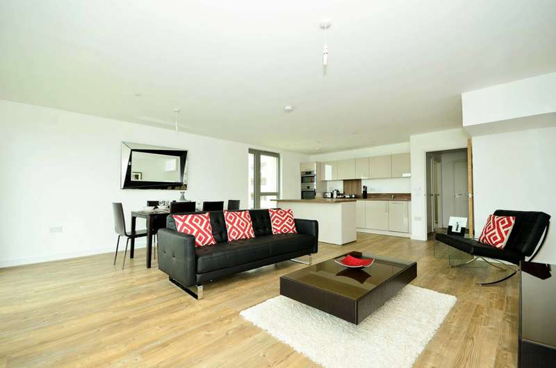 3 Bedrooms Flat for rent in Waterside Park, Royal Docks, E16