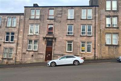 2 Bedrooms Flat for rent in Murdieston street, Greenock