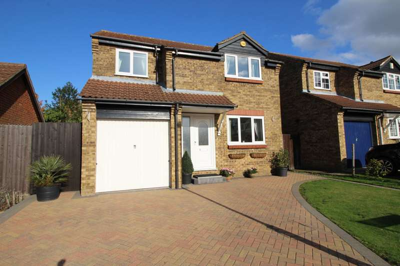 4 Bedrooms Detached House for sale in Stanley Road, Chatham, Kent, ME5