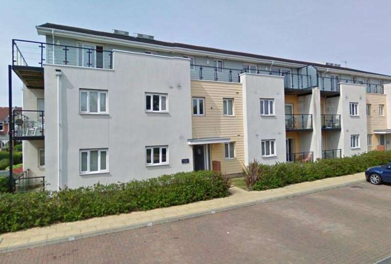 2 Bedrooms Flat for sale in Gisors Road, Milton