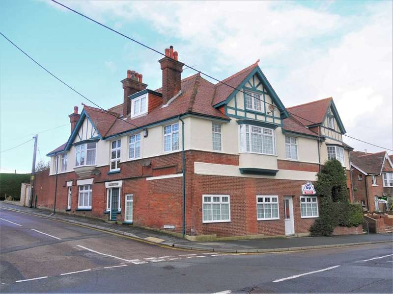 3 Bedrooms Flat for rent in Ward Road, Totland Bay
