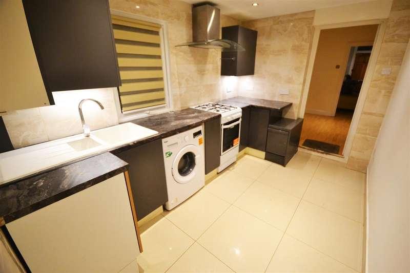 2 Bedrooms Terraced House for sale in Flint Street, West Thurrock