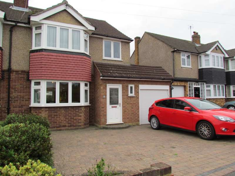 4 Bedrooms Semi Detached House for sale in MANSTON CLOSE, Cheshunt, EN8