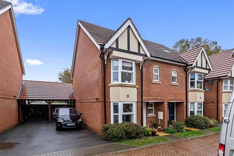 4 Bedrooms Semi Detached House for sale in Kings Avenue, Ashford