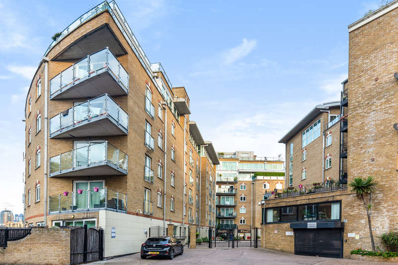 2 Bedrooms Flat for sale in Pacific Wharf, Rotherhithe