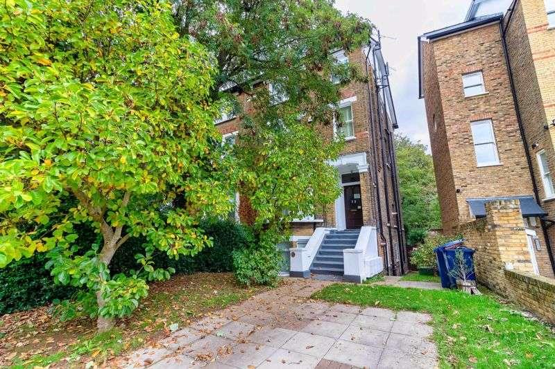 2 Bedrooms Property for sale in Grange Park, London