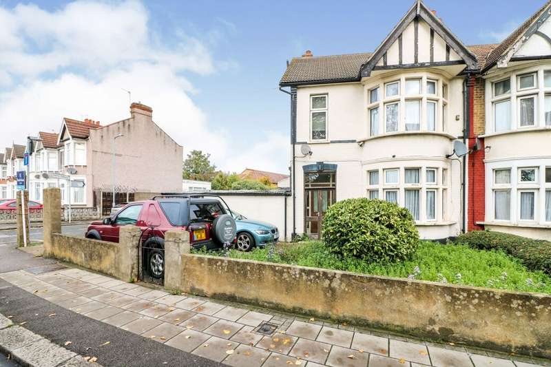 3 Bedrooms Property for sale in Perth Road, Ilford, IG2