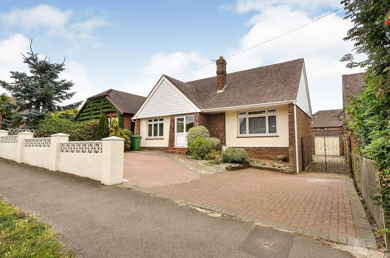 3 Bedrooms Detached Bungalow for sale in Yeoman Way, Bearsted, Maidstone, Kent, ME15