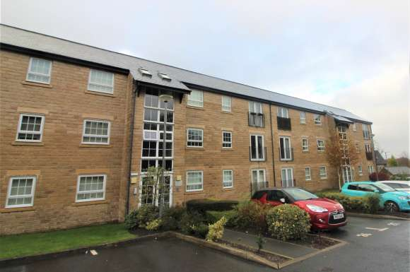 2 Bedrooms Apartment Flat for sale in Clough Gardens, Haslingden, BB4