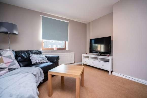 2 Bedrooms Flat for rent in Morrison Drive, Garthdee, Aberdeen, AB10