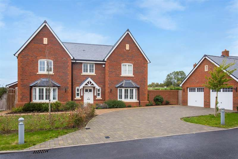 5 Bedrooms Detached House for sale in Lendon Grove, Gubblecote, Tring